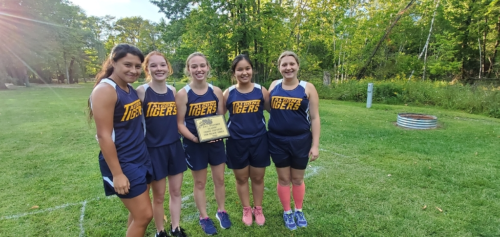 Varsity Girls Cross Country took 2nd overall at the Panther Classic